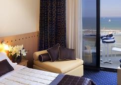 Hotel Sporting Rimini - 리미니 - 침실