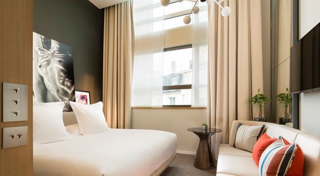 르 싱크 코뎃 호텔 - 파리 - 침실