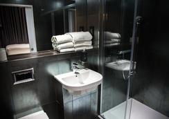 더 더블유14 호텔 - 런던 - 욕실