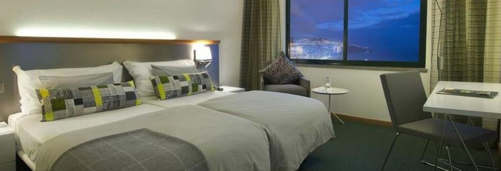 Madeira Panoramico Hotel - 푼샬 - 침실