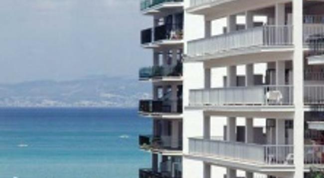 호텔 메디오디아 - 엘아레날 - 건물