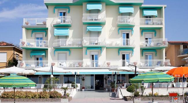 Hotel Bellariva - 예솔로 - 로비