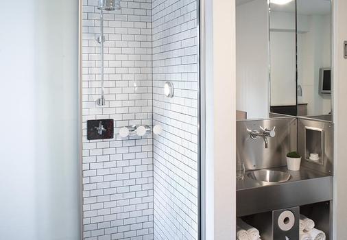 포드 51 - 뉴욕 - 욕실