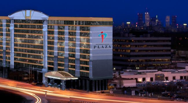 인터내셔널 플라자 호텔 앤 컨퍼런스 센터 - 토론토 - 건물