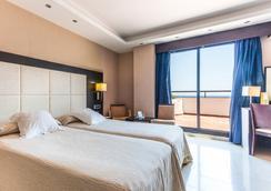 호텔 마리나 디'오르 플라야 4 - Oropesa del Mar - 침실