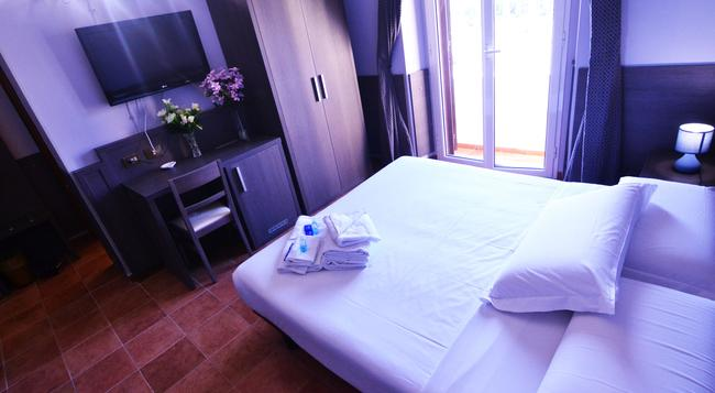 Hotel Mirti - 로마 - 침실