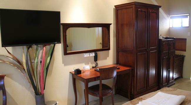 Overlander Homestead Motel - Roma - 침실