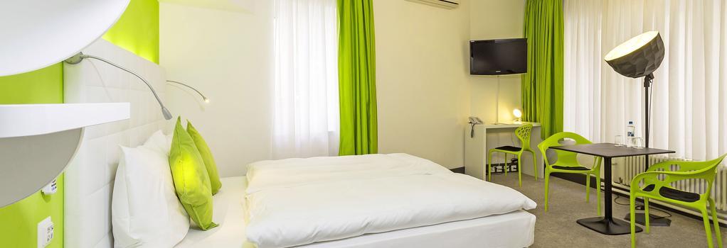 호텔 시티 인 - 바젤 - 침실