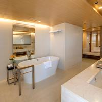 빠뚜남 프린세스 호텔 Bathroom