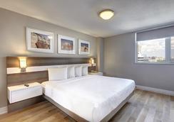 타운 인 스위트 - 토론토 - 침실