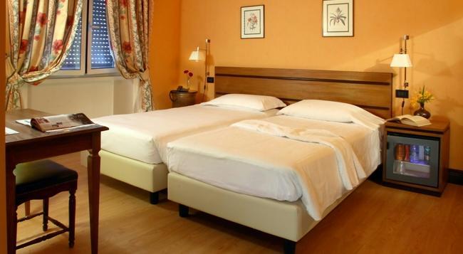 릴레스 6 비아 톨미노 - 로마 - 침실