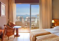 Hotel RH Ifach - 칼페 - 침실