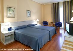 호텔 몬테 푸에르타티에라 - 카디스 - 침실