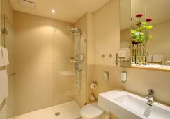 아코나 리빙 고에티87 호텔 - 베를린 - 욕실