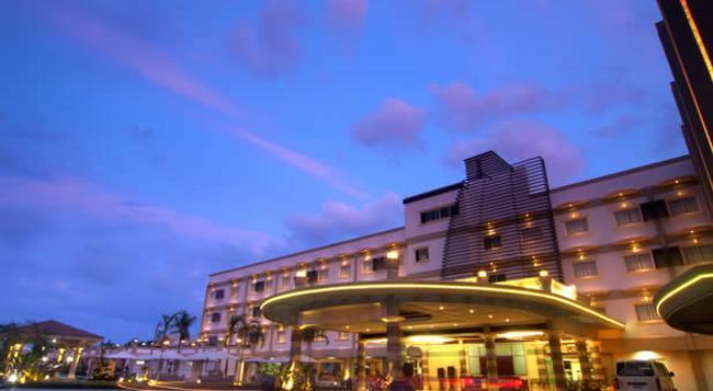 호텔 센트로 팔라완 - 푸에르토프린세사 - 건물