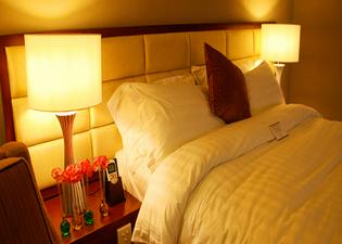 더 에베뉴 프라자 호텔
