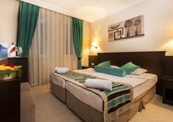 Kleopatra Royal Palm Hotel - 알라냐 - 침실