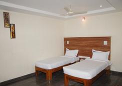 호텔 SLV 그랜드 - 티루파티 - 침실