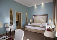 호텔 웨스트민스터 - 니스 - 침실