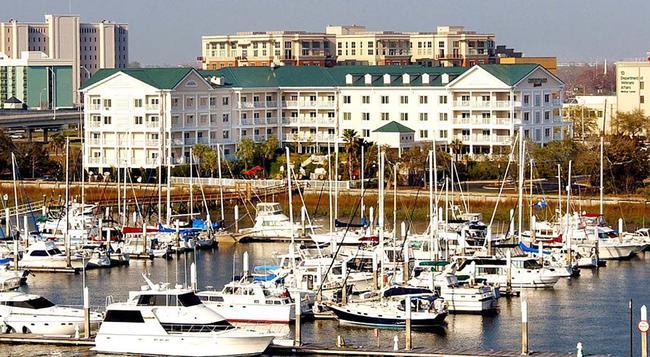 Courtyard by Marriott Charleston Waterfront - 찰스턴 - 건물