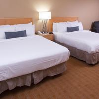 Parkway Plaza Hotel & Convention Centre Guestroom