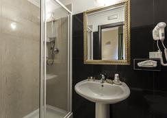 호텔 레지나 지오반나 - 로마 - 욕실