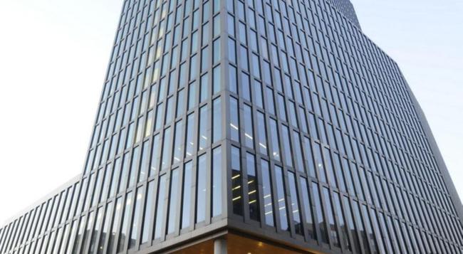 엠파이어 리버사이드 호텔 - 함부르크 - 건물