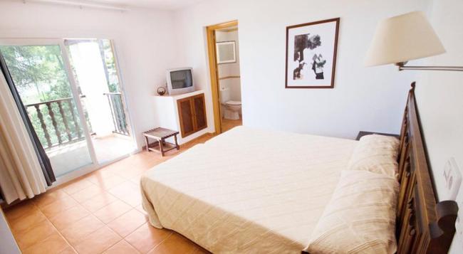 Hotel Club Can Jordi - Santa Eularia des Riu - 침실