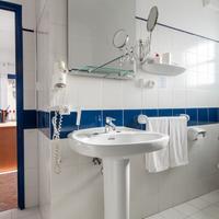 호텔 마리냐 - 성인 전용 Bathroom