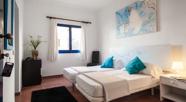 호텔 마리냐 - 성인 전용 - 이비사 - 침실