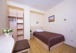 돈키핫 호텔 - 로스토프나도누 - 침실
