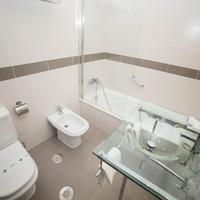 로스 오메이야스 Bathroom