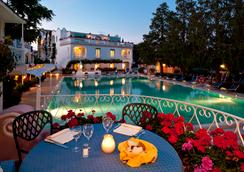 Hotel Continental Ischia - 이스키아 - 수영장