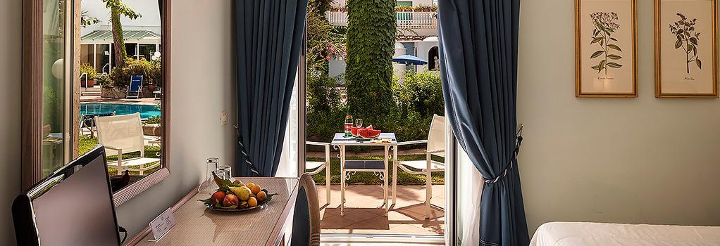 Hotel Continental Ischia - 이스키아 - 침실