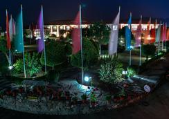 호텔 포카라 그랜드 - 포카라 - 야외뷰