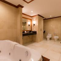 앙코르 파라다이스 호텔 presidential Suite's Bathroom