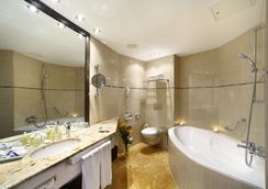 Grand Hotel Bohemia - 프라하 - 욕실