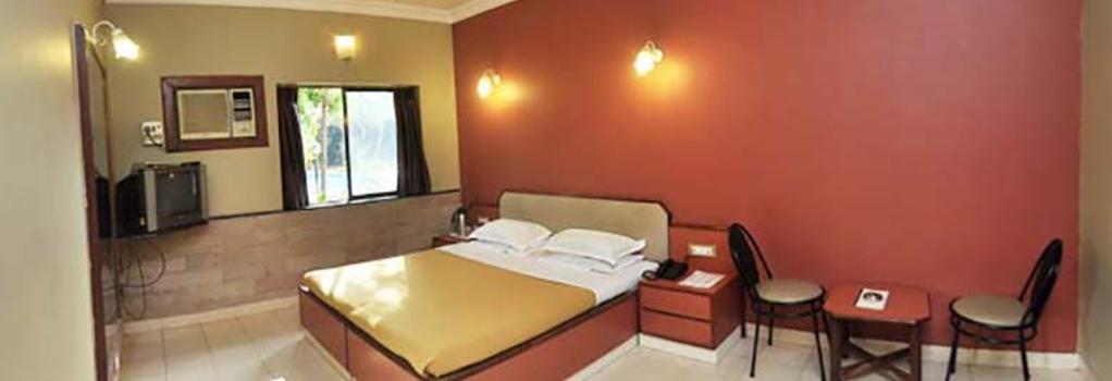 Treasure Island Resort - Lonavala - 침실
