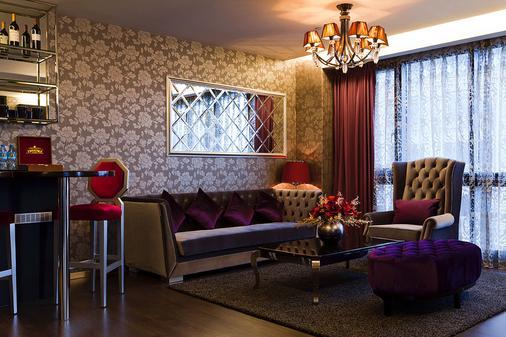 FX 호텔 타이베이 난징 이스트 로드 브랜치 - 타이베이 - 거실