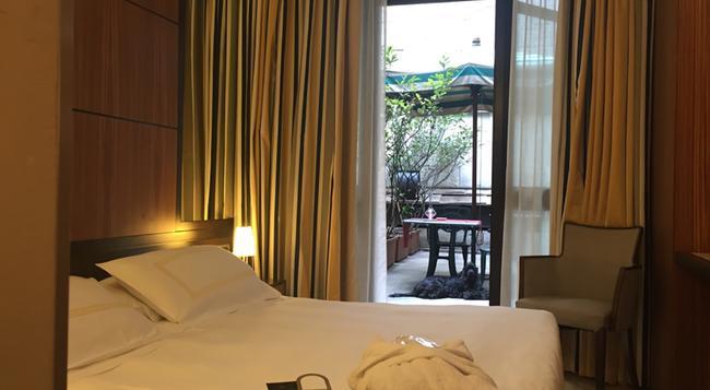 호텔 카로비오 - 밀라노 - 침실