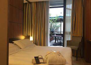 호텔 카로비오