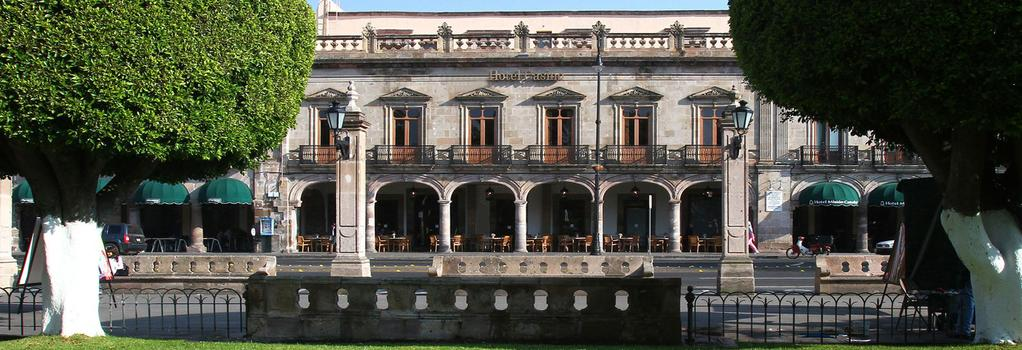 Hotel Casino Morelia - 모렐리아 - 건물
