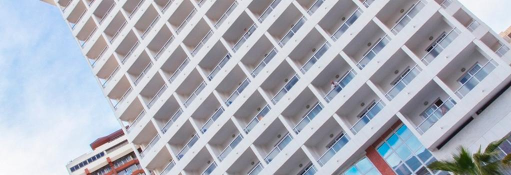 Poseidon Resort - 베니도름 - 건물