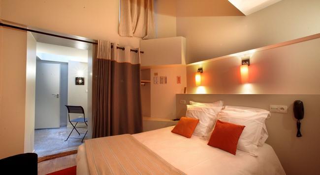 호텔로 - 리옹 - 침실