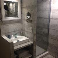 Marseillecity - Chambres d'hôtes Bathroom Sink