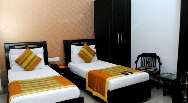 호텔 유니버스 인 - 뉴델리 - 침실
