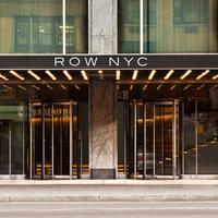 로 NYC 앳 타임스퀘어 Featured Image
