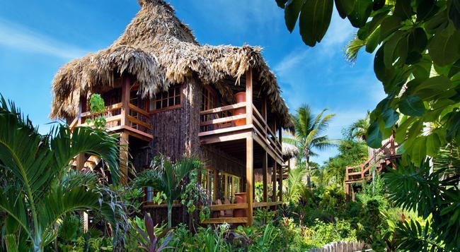 Ramon's Village Resort - 산페드로 - 건물