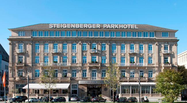 스테인겐버거 파크호텔 뒤셀도르프 - 뒤셀도르프 - 건물