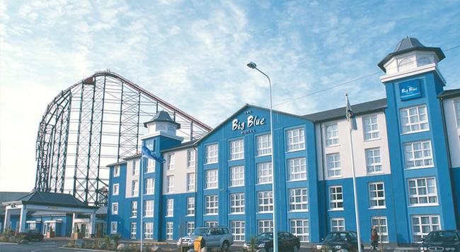 더 빅 블루 호텔 - 블랙풀 - 건물